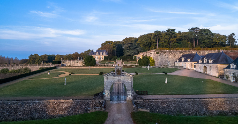 Aerial view of the entrance to the estate © Charly's Drone