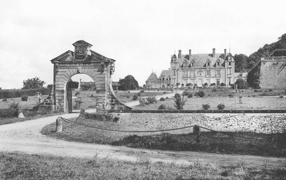 Vue générale historique du Château de Valmer